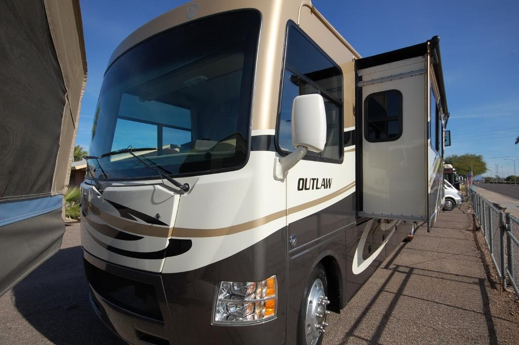 2014 Thor Motor Coach Outlaw 37LS Toy Hauler