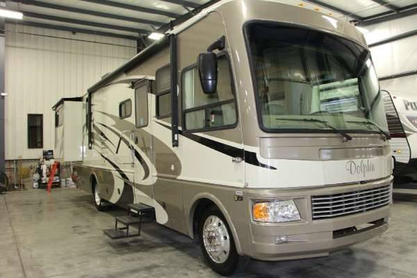 2008 National Rv Dolphin DL35C