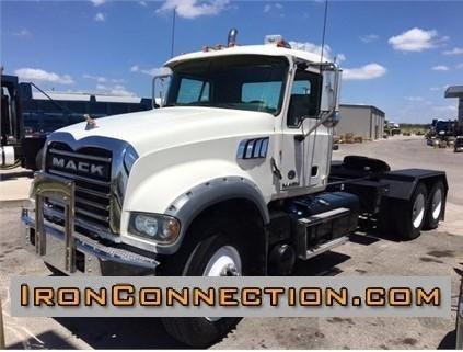 2013 Mack Granite Gu713 Conventional - Day Cab