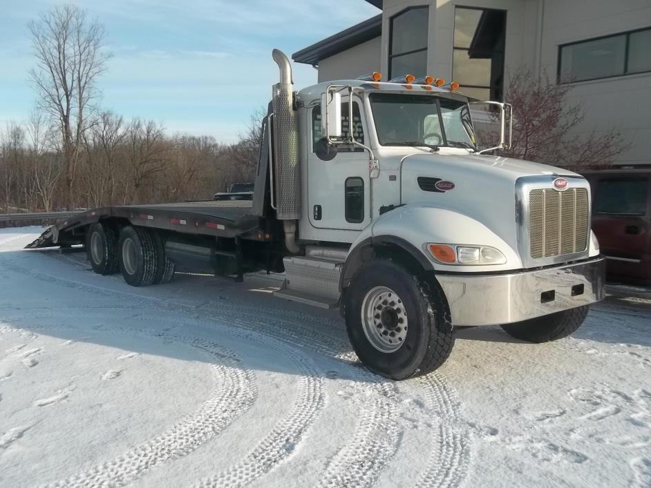 2011 Peterbilt 348 Rollback Tow Truck