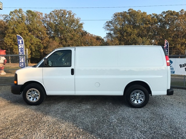 2013 Chevrolet Express 1500 Cargo  Cargo Van