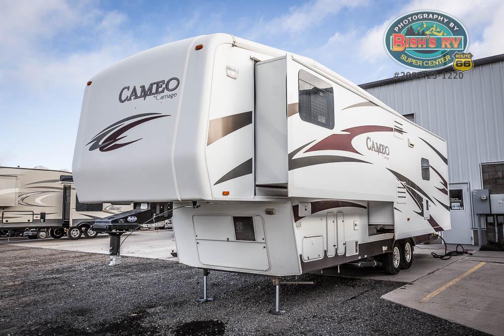2010 Carriage Inc CAMEO 32FWS