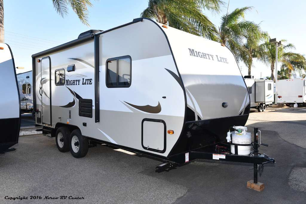2017 Pacific Coachworks MIGHTY LITE 18RBS
