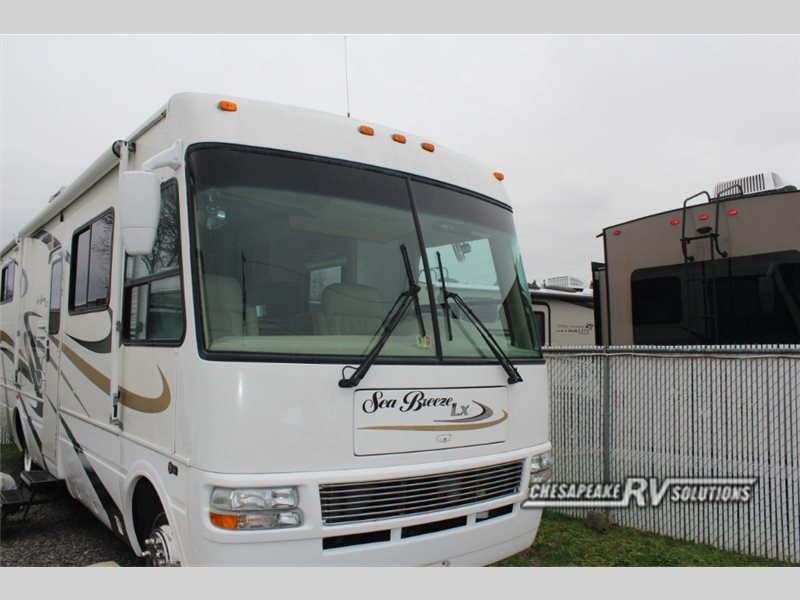 2005 National Rv Sea Breeze LX 8311