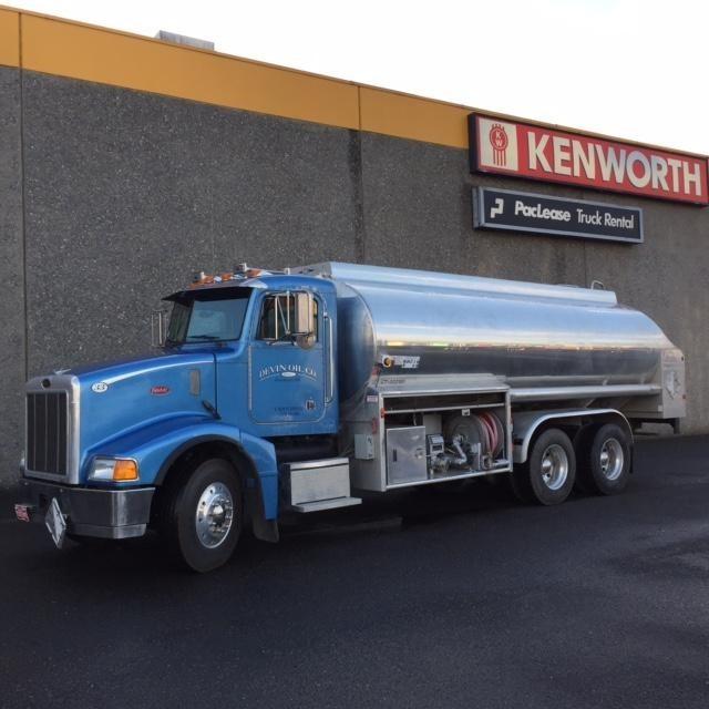 2001 Peterbilt 385 Tanker Truck
