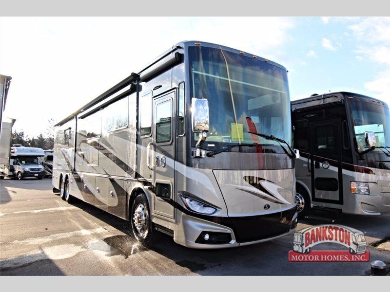 2017 Tiffin Motorhomes Phaeton 44 OH