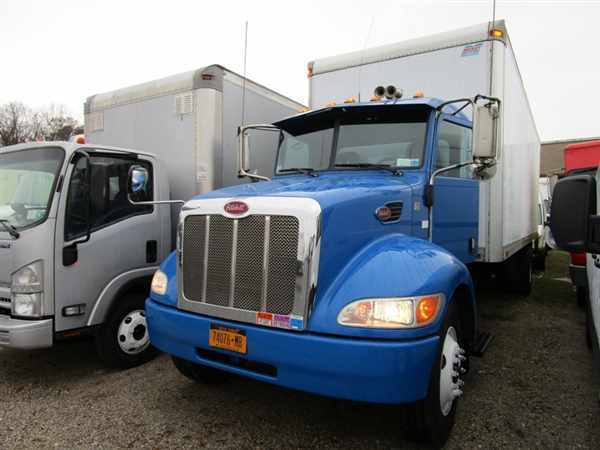 2010 Peterbilt 330 Box Truck - Straight Truck