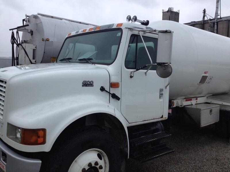 2000 International 4900 Tanker Truck