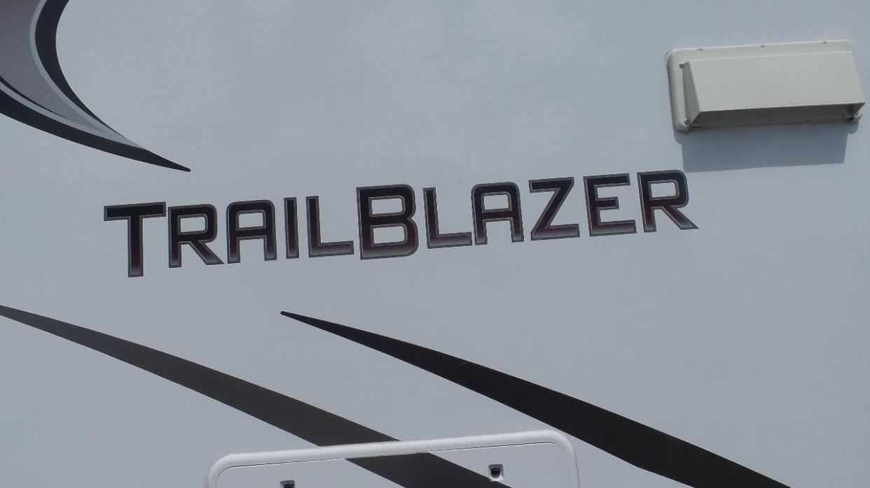 2013 Komfort trailblaxer 2610BH, 1