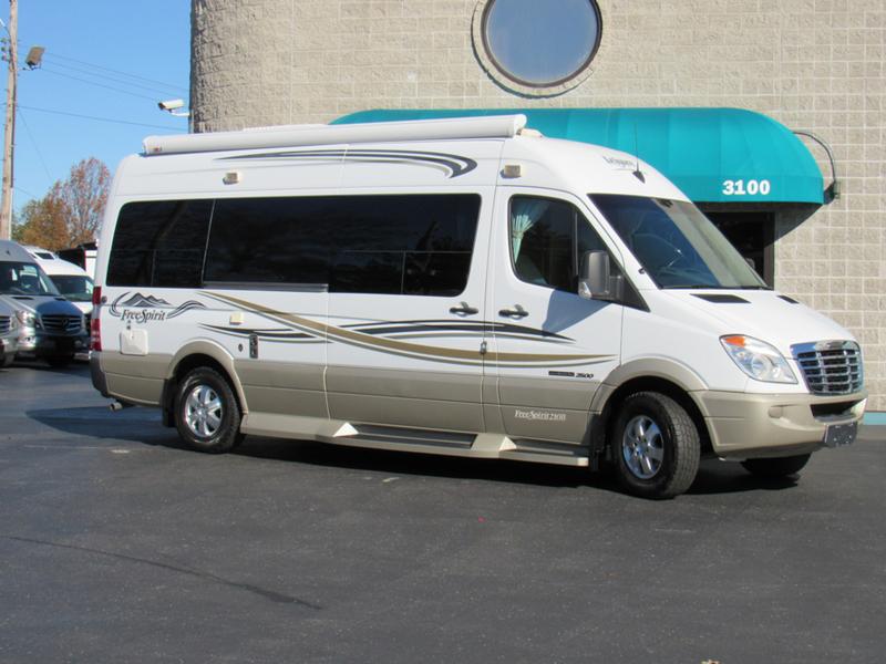 2010 Leisure Travel Vans Free Spirit