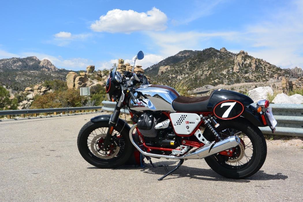 2016 Moto Guzzi V7 II Stone ABS