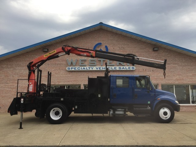 2003 International Durastar 4400 Crane Truck