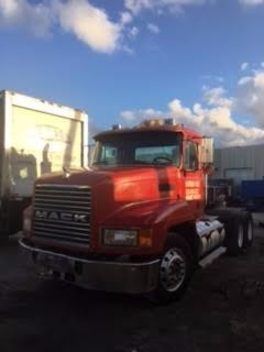 2000 Mack Ch613  Cab Chassis