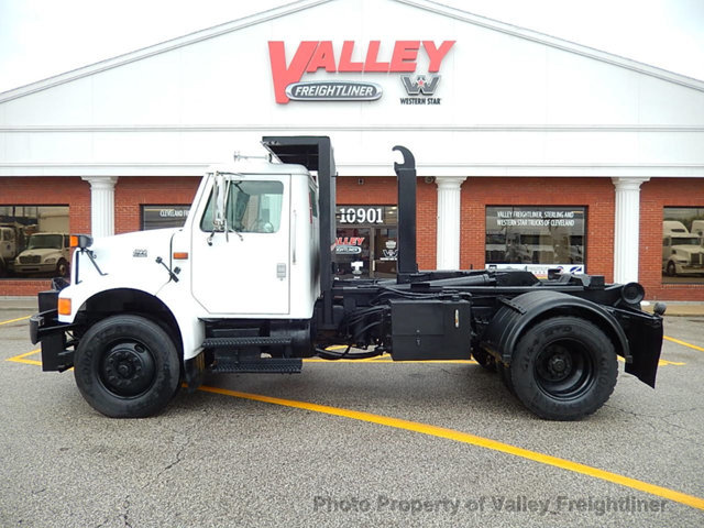 1995 International 4900 Flatbed Truck
