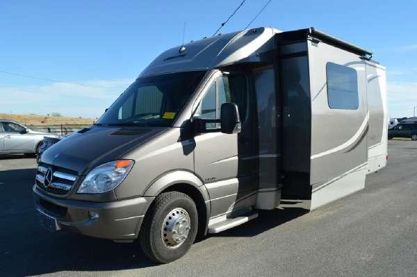 2013 Leisure Travel Vans Unity U24MB