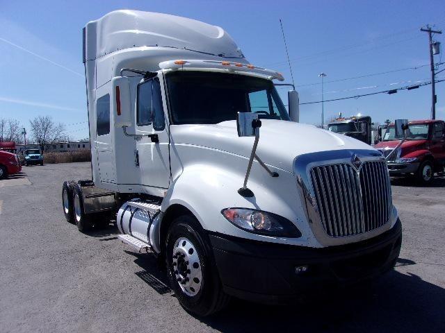 2012 International Prostar+ Conventional - Sleeper Truck