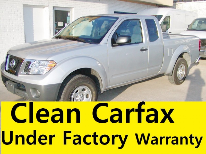 2016 Nissan Frontier King Cab *** Clean Carfax ***