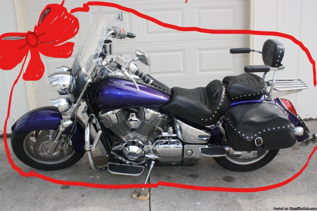Great cruiser: power & comfort 2003 Honda VTX 1800T
