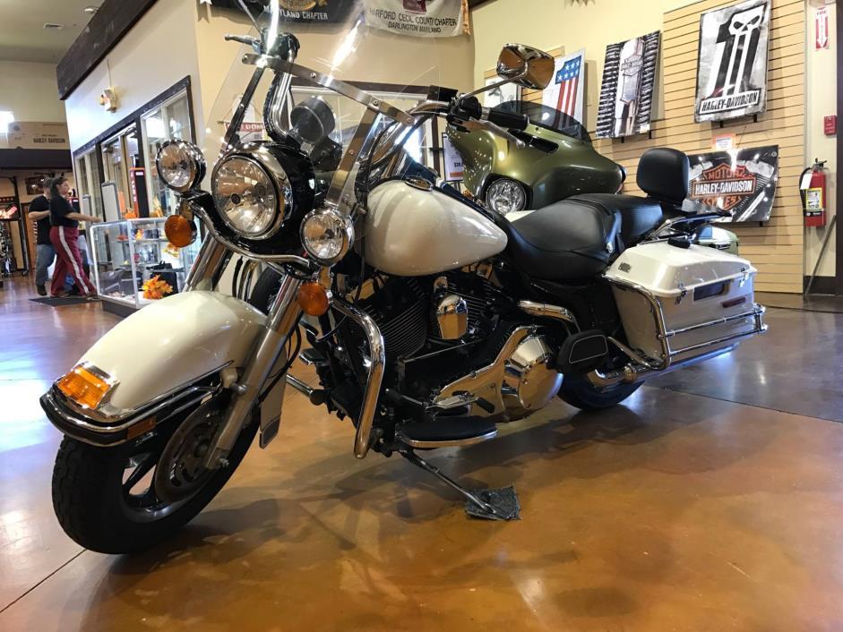 2006  Harley-Davidson  FLHP