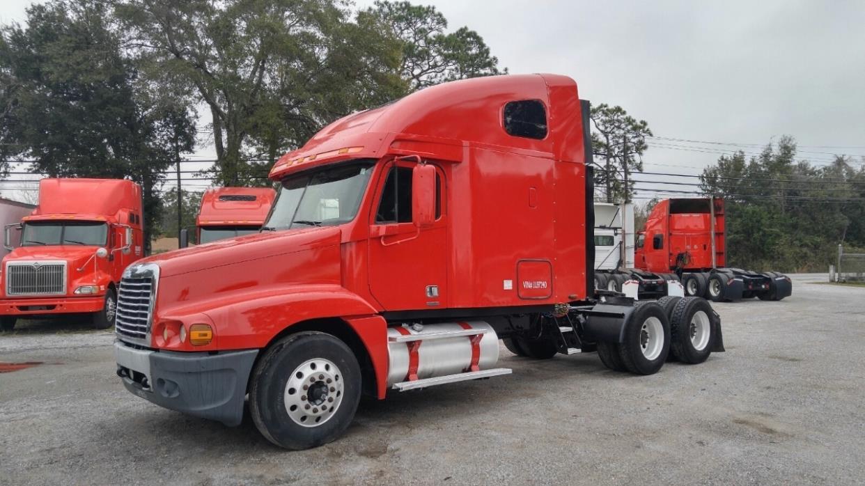 2006 Freightliner Century Class Conventional - Sleeper Truck