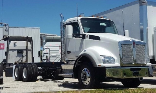 2017 Kenworth T880  Cab Chassis