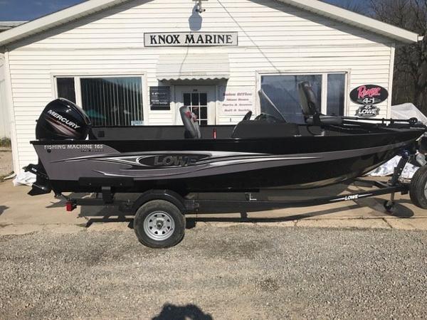 2017 Lowe Fishing Machine 165