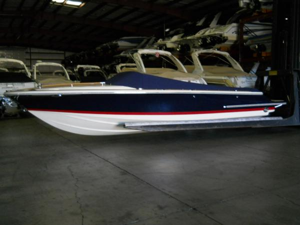 2017 Chris-Craft 25 CORSAIR