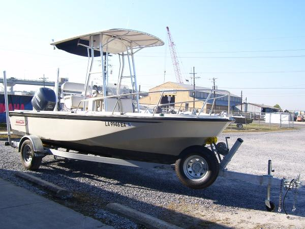 1988 Boston Whaler 18  Center Console