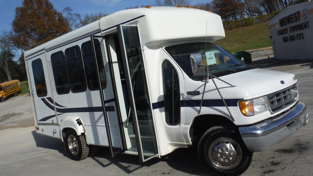 Bus for sale in Illinois