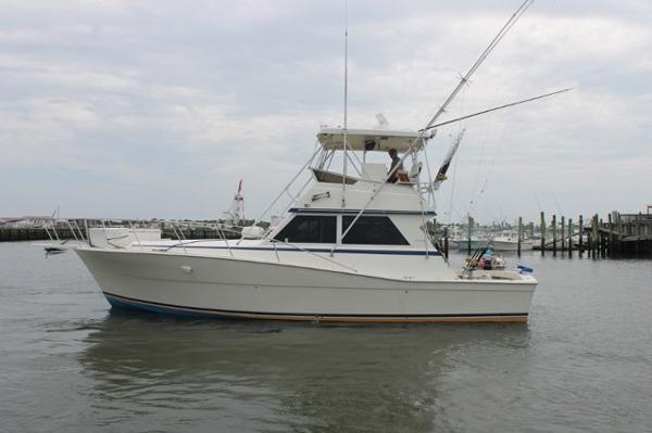1987 Viking Yachts 41 Convertible