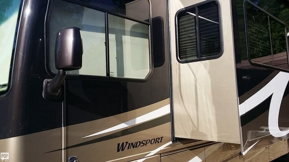 2010 Thor Motor Coach Windsport 34, 18