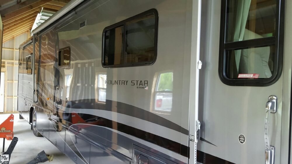 2005 Newmar Kountry Star 3910, 2