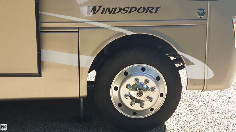 2010 Thor Motor Coach Windsport 34, 12