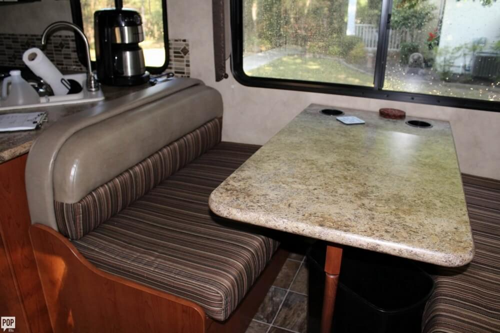 2012 Thor Motor Coach Four Winds 31F, 9