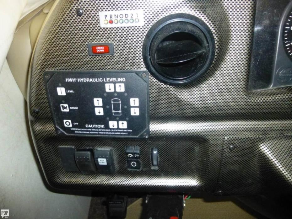 2003 Thor Motor Coach Hurricane 30Q, 22