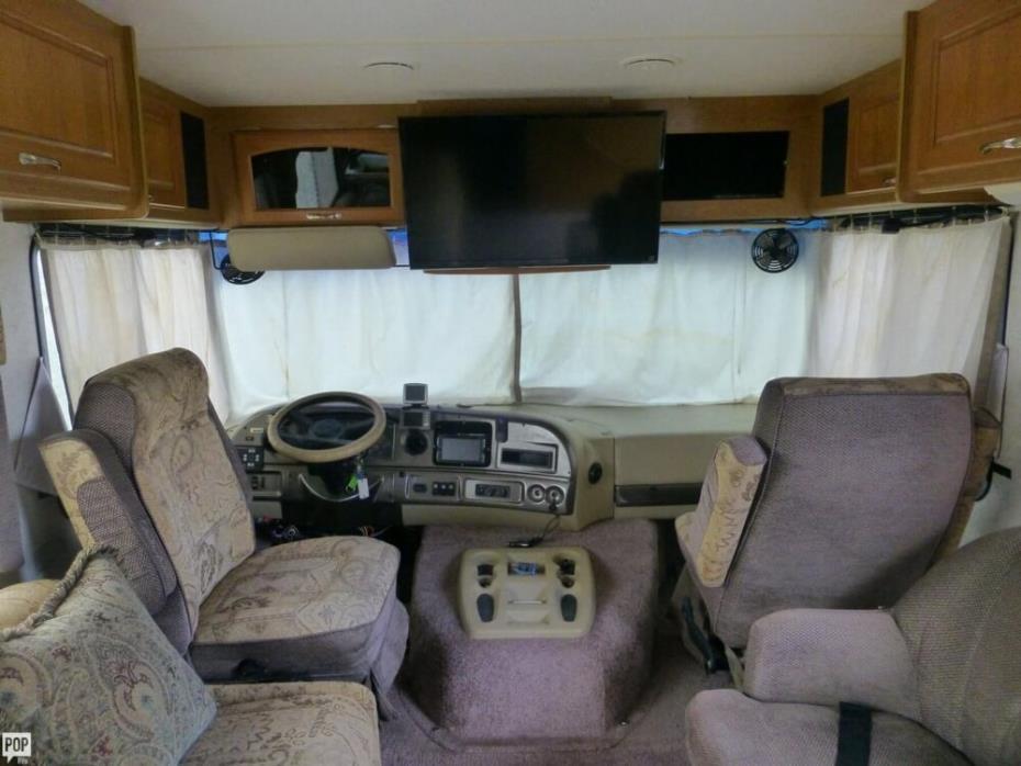 2003 Thor Motor Coach Hurricane 30Q, 17