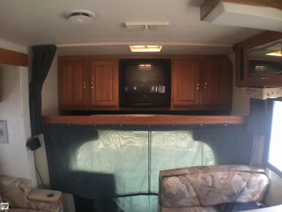 1999 Thor Motor Coach Four Winds 31S, 22