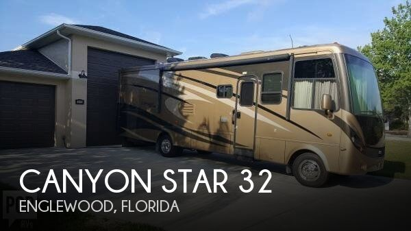2009 Newmar Canyon Star 32