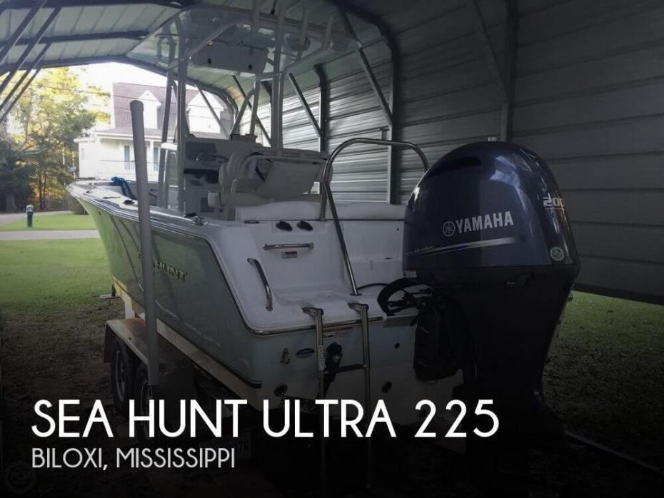 2015 Sea Hunt Ultra 225