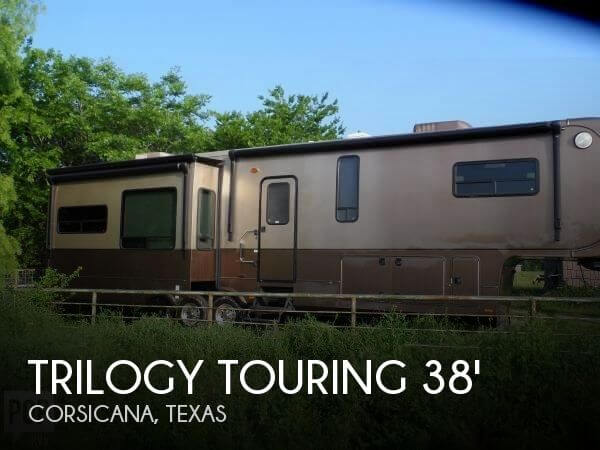 2013 Dynamax Trilogy Touring 3800 D3