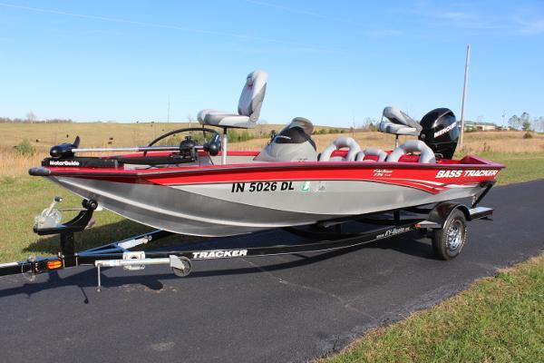 2011 Tracker 175 TXW with warranty