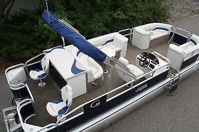 New 24 ft 2013 Rear Fish  Grand Island pontoon boat