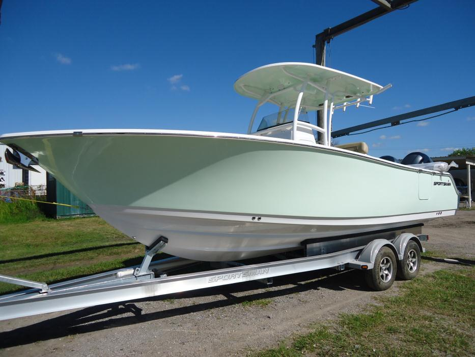 2016 Sportsman Boats Heritage 251 Center Console