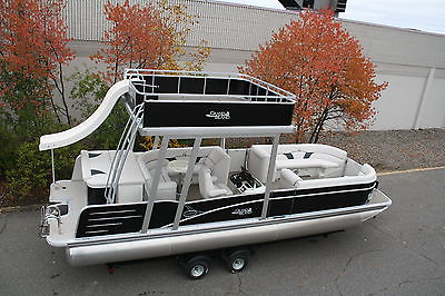 Scratch and dent 2015 -New two tube  27 ft pontoon boat with slide-