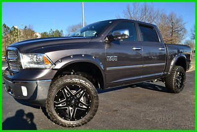 Ram : 1500 CREW CAB 4X4 LIFTED ON 22's 35