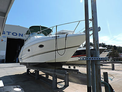 1998 Larson 2700 Cabrio 31 Ft Stern to Bow. NEW Volvo Penta 7.4 Fuel Injected