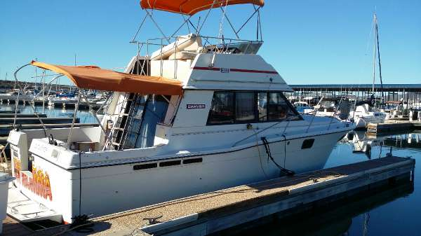 1988 CARVER YACHTS 3227