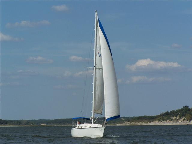 1979 Hunter 30 FT Sloop Priced to move
