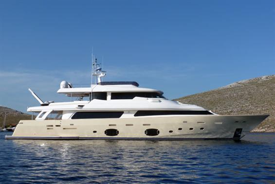 2011 Custom Line Navetta 33 Crescendo