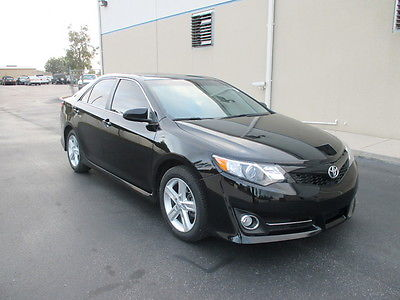 Toyota : Camry SE 2012 black se 4 cyl loaded sunroof florida clean title